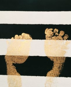 Stripe Canvas with Gold Feet tutorial