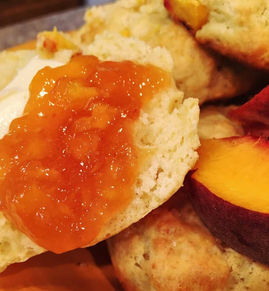 Scones with peaches and cream