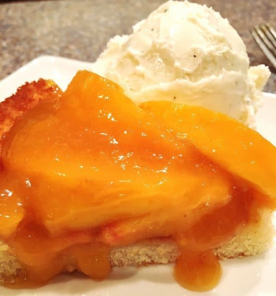 peach-cake-single-serving-with-ice-cream