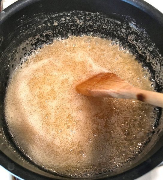 popcorn-syrup-and-sugar-boil