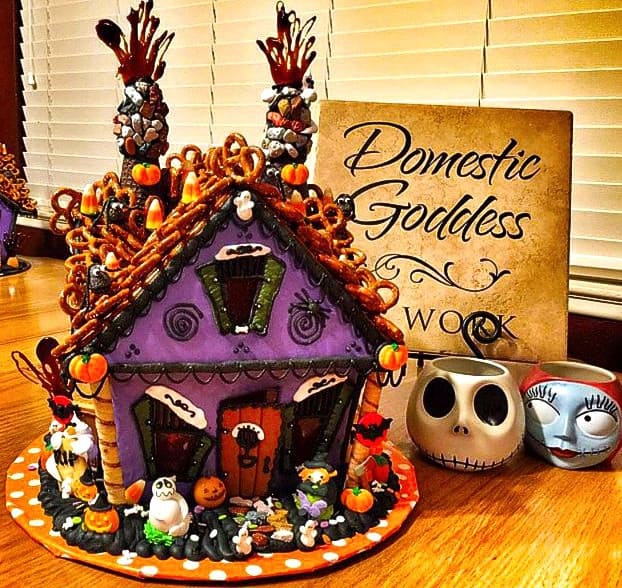 haunted-gingerbread-house-5