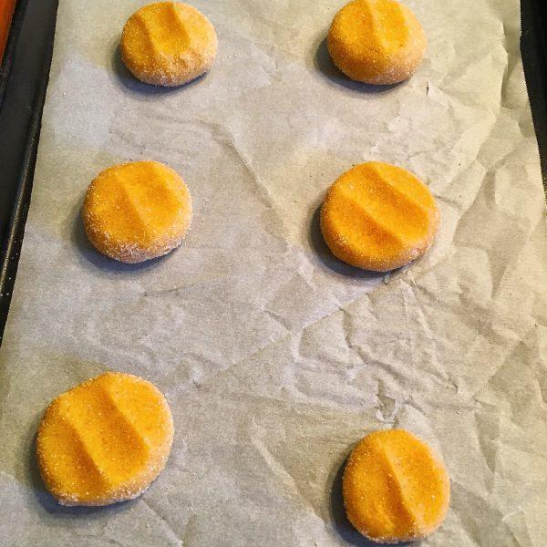 pumpkin-sugar-cookies