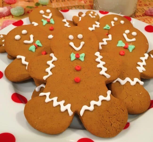Plate full of Spiced Gingerbread men.