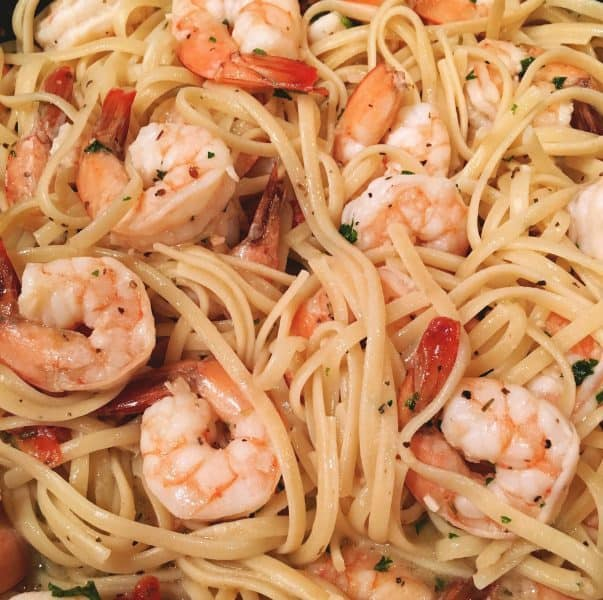 Shrimp with linguini noodles and a delicious creamy sauce