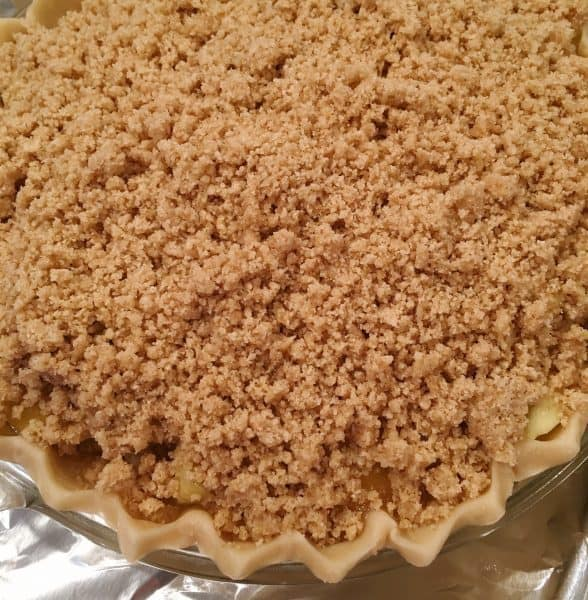 crumb topping on top of apple pie