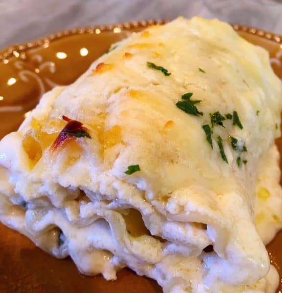 Spinach Chicken Alfredo Lasagna Roll-Up