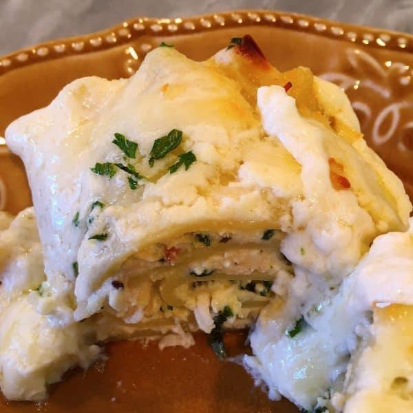 Chicken Spinach Alfredo Roll Ups