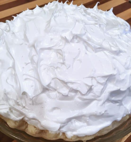 Meringue topping in stiff peaks