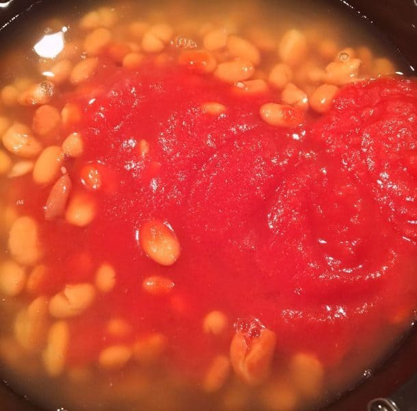 Pinto Beans and Tomato Sauce in Slow Cooker