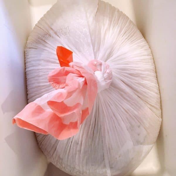 Tie bag in knot