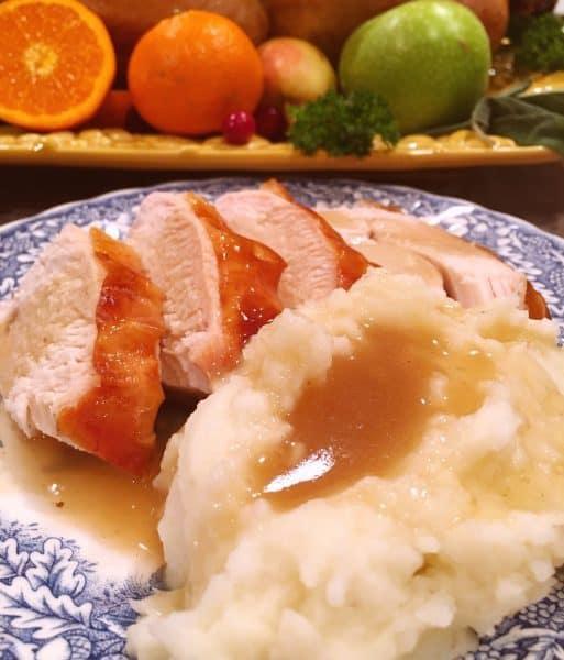 Thick Rich Turkey Gravy on Potatoes