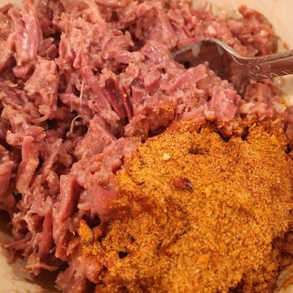 Shredded beef and taco seasoning