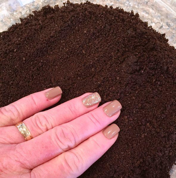 Spreading oreo crust