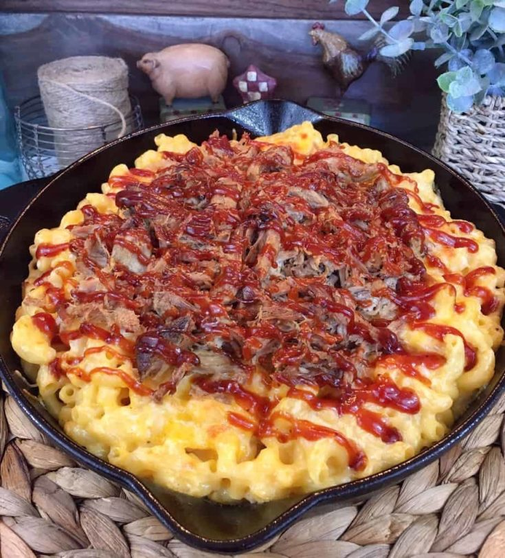 Lighter BBQ Pulled Pork Mac 'N Cheese with Caramelized Onions {Whole Wheat}