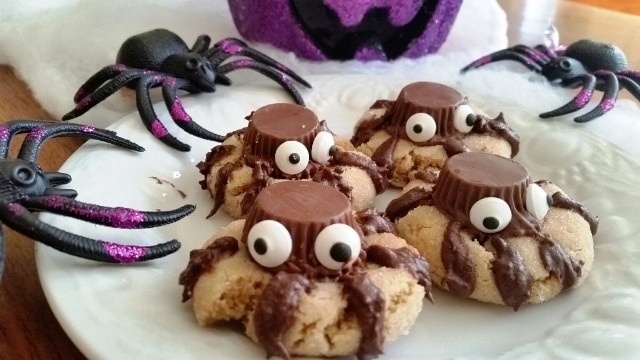 Halloween Spider Cookies #SundaySupper - Moore or Less Cooking