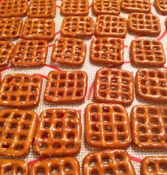 Pretzels on baking mat