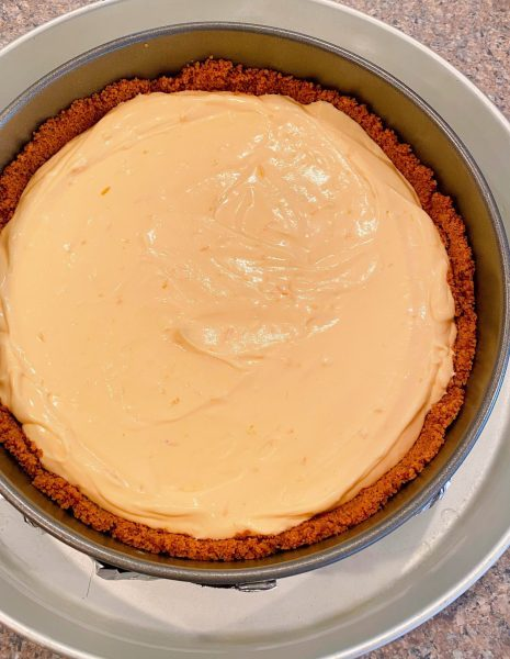 Cheesecake batter in crust