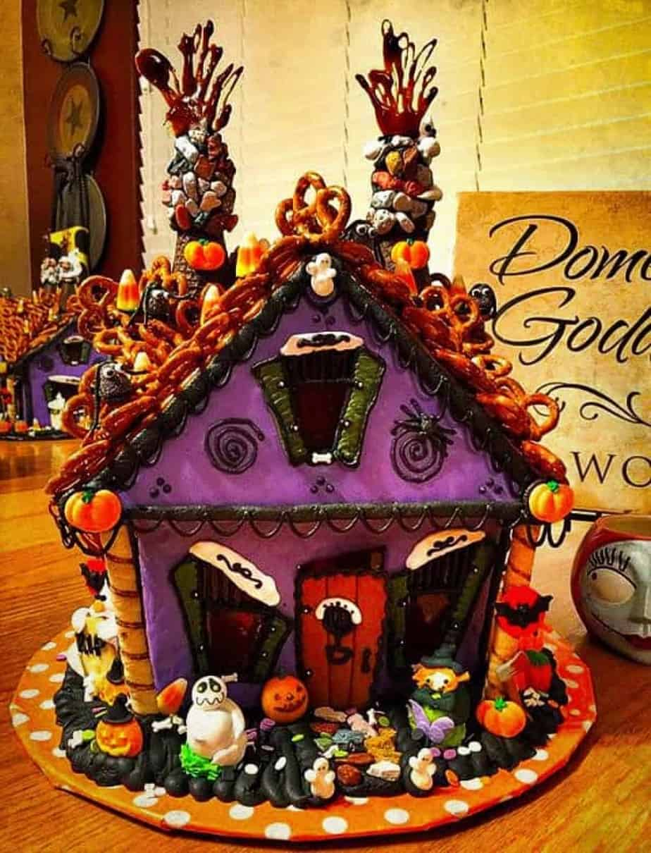 Haunted gingerbread house norines nest haunted gingerbread house solutioingenieria Choice Image